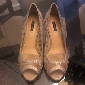 Alex Marie gold/champagne metallic heels
